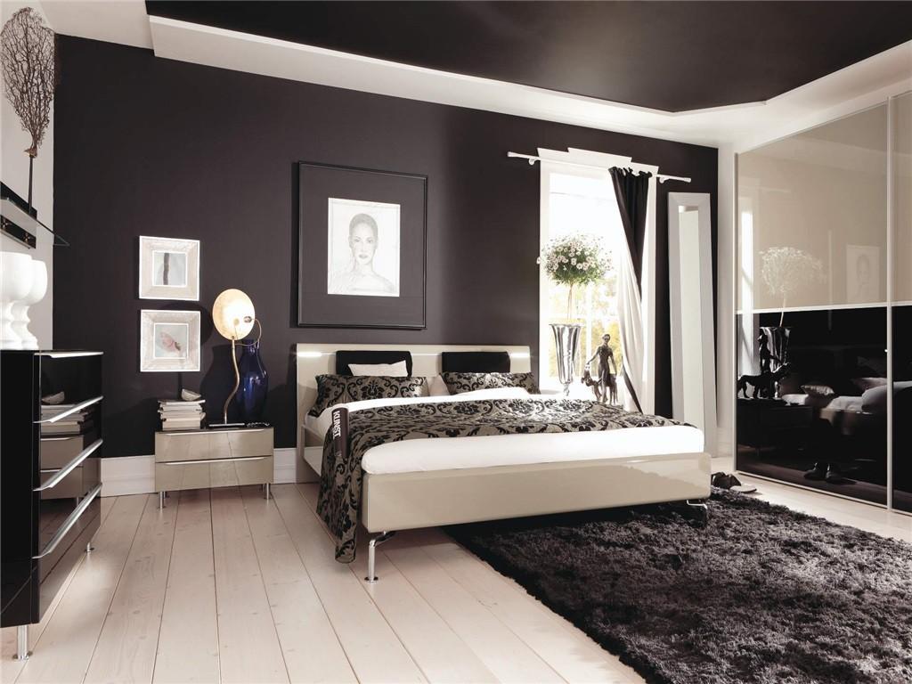 Classy bedroom decoration