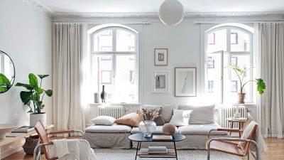 Vivid white studio dwelling
