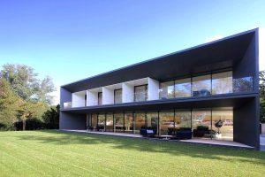 Geneva Villa with Garden Irrigation System
