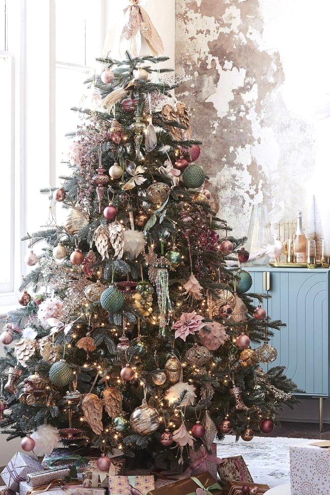 RENAISSANCE Christmas 2020 theme tree