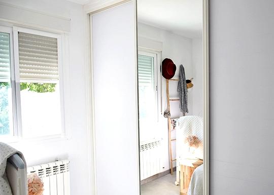 Renovate-wardrobe-with-vinyl-plain-color-white-matt-opaque-self-adhesive-washable-lokoloko