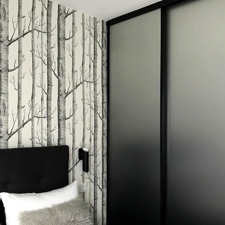 Wardrobe-renovated-with-acid-vinyl-printed-in-gradient-black-lokoloko