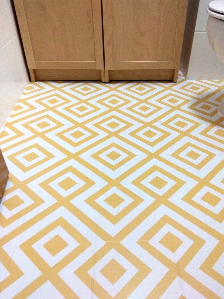 geometric-vinyl-for-bathroom-floor-lokoloko