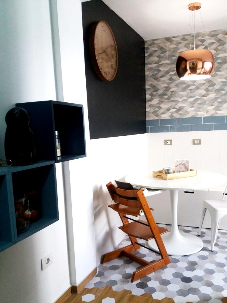vinyl-for-floors-of-Ceramic-Hexagonal-Pattern-1-lokoloko-design-1