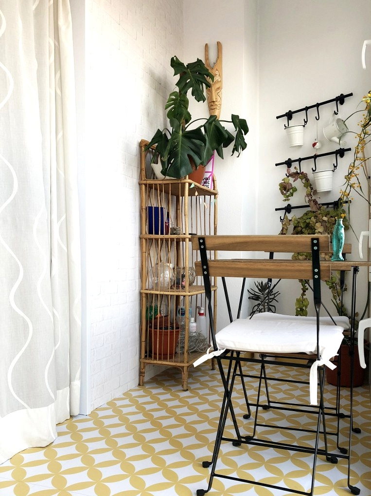 Renovate-terrace-floor-slab-terrazzo-with-vinyl-for-floors-mosaic-of-yellow-circles-lokoloko