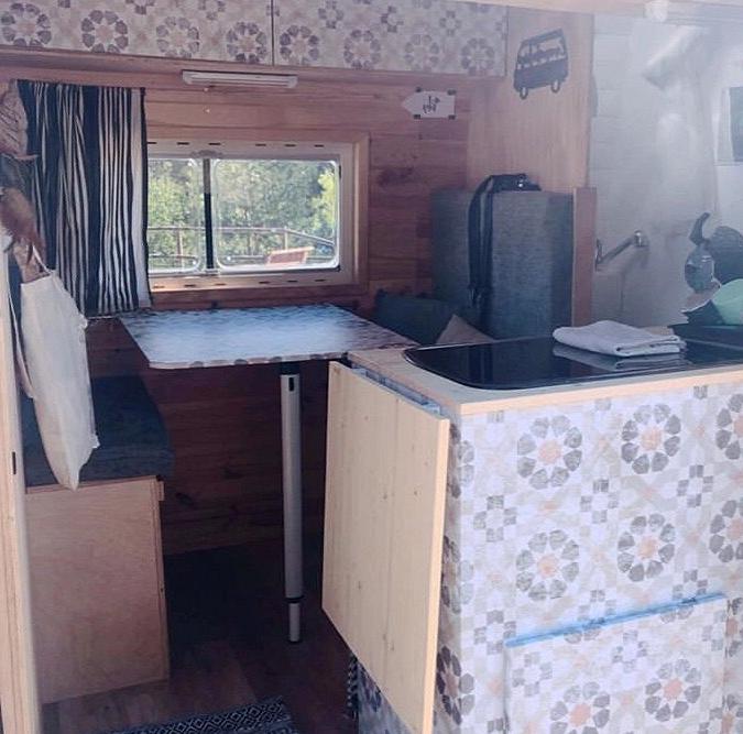 Vinyl-washable-and-self-adhesive-vintage-geometric-pattern-to-decorate-interior-of-caravans-vintage-lokoloko