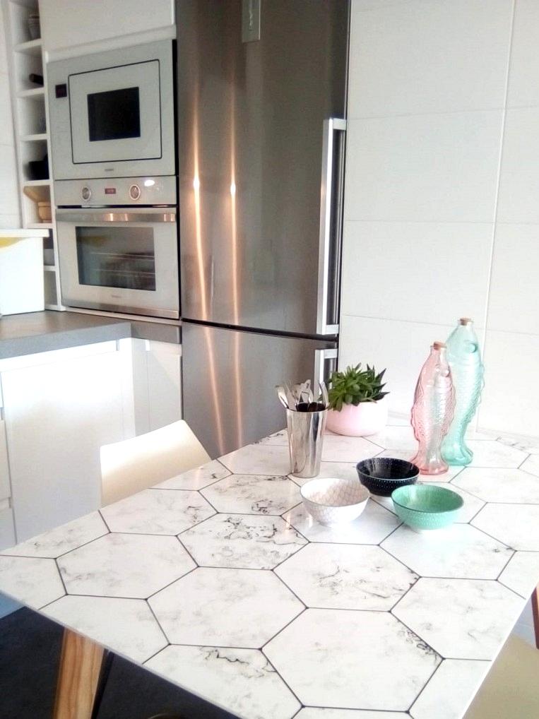 Vinyl-to-renovate-kitchen-dining-tables-hexagonal-tiles-marble-white-lokoloko-design