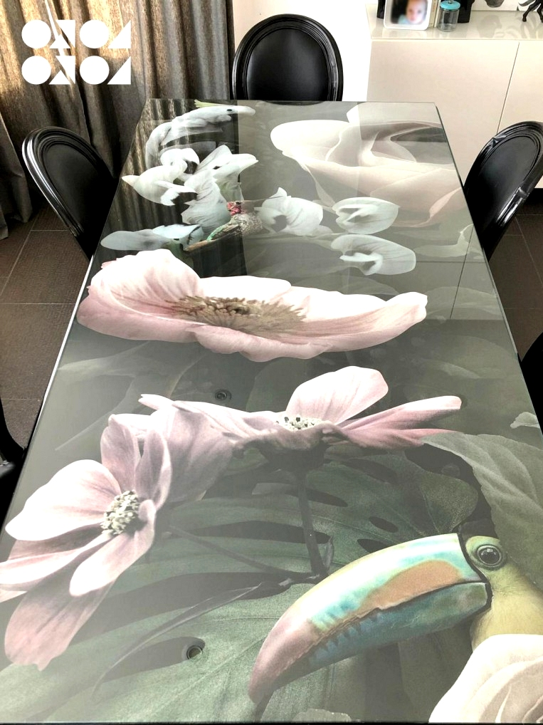 Vinyl-washable-and-waterproof-timeless-to-decorate-glass-tables-of-flowers-and-exotic-birds-lokoloko