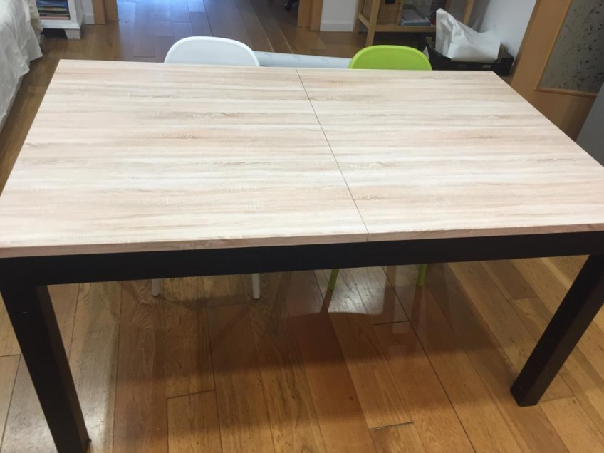 Dining-table-renovated-and-protected-with-vinyl-self-adhesive-washable-wood-texture-20-lokoloko