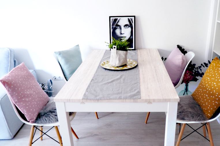 Vinyl-to-cover-living-room-and-dining-tables-wood-texture-alamo-nordica-sweetharmonie-lokoloko