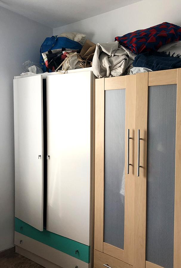 Closet-doors-before-lining-with-vinyl-lokoloko