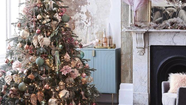 RENAISSANCE Christmas 2020 theme tree 2