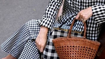 6 Tremendous Straightforward Methods To Pull Off Some Gingham Appears to be like