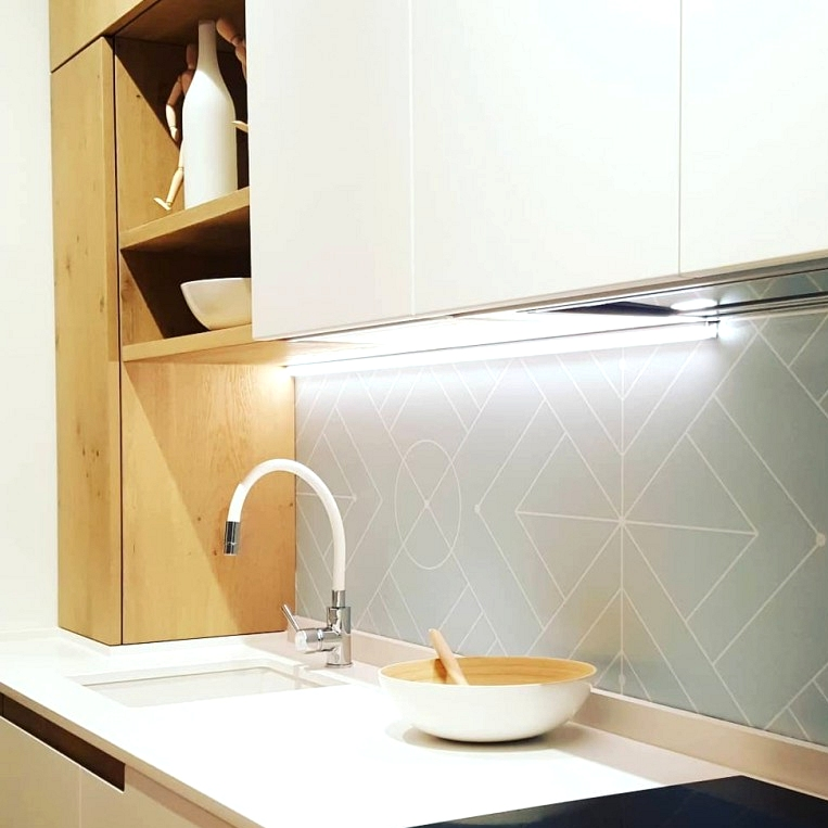vinyl-geometric-blue-volare-washable-decorate-and-cover-kitchen-fronts-lokoloko