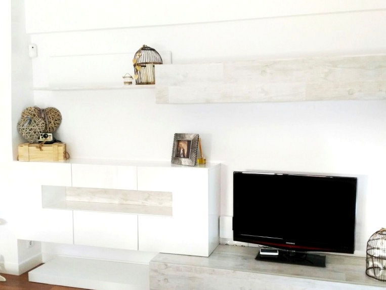 vinyl-imitation-vintage-wood-for-covering-living-room-furniture-lokoloko-design