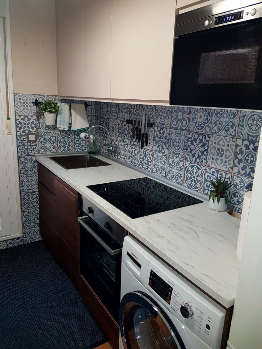 vinyl-mosaic-hydraulic-tiles-3-front-fore-top-kitchen-on-slabs