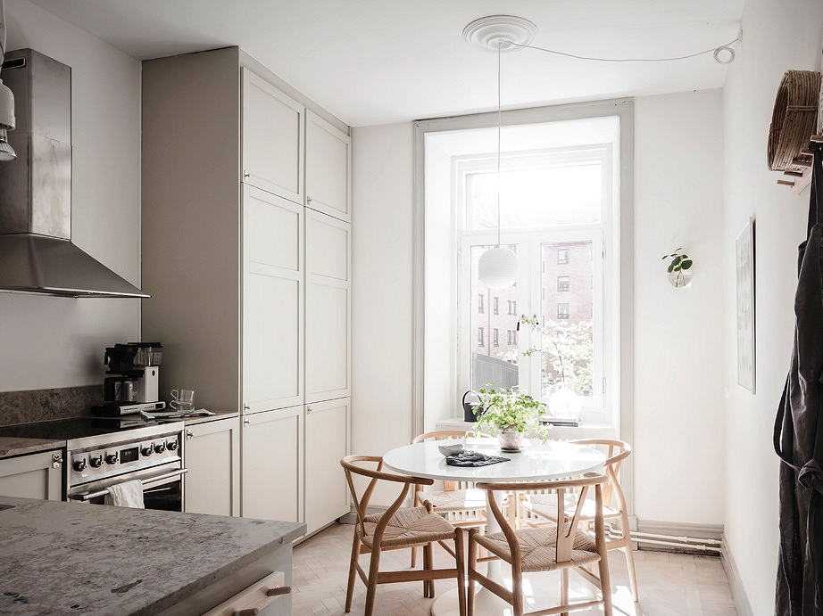 Cozy and light flooded kitchen