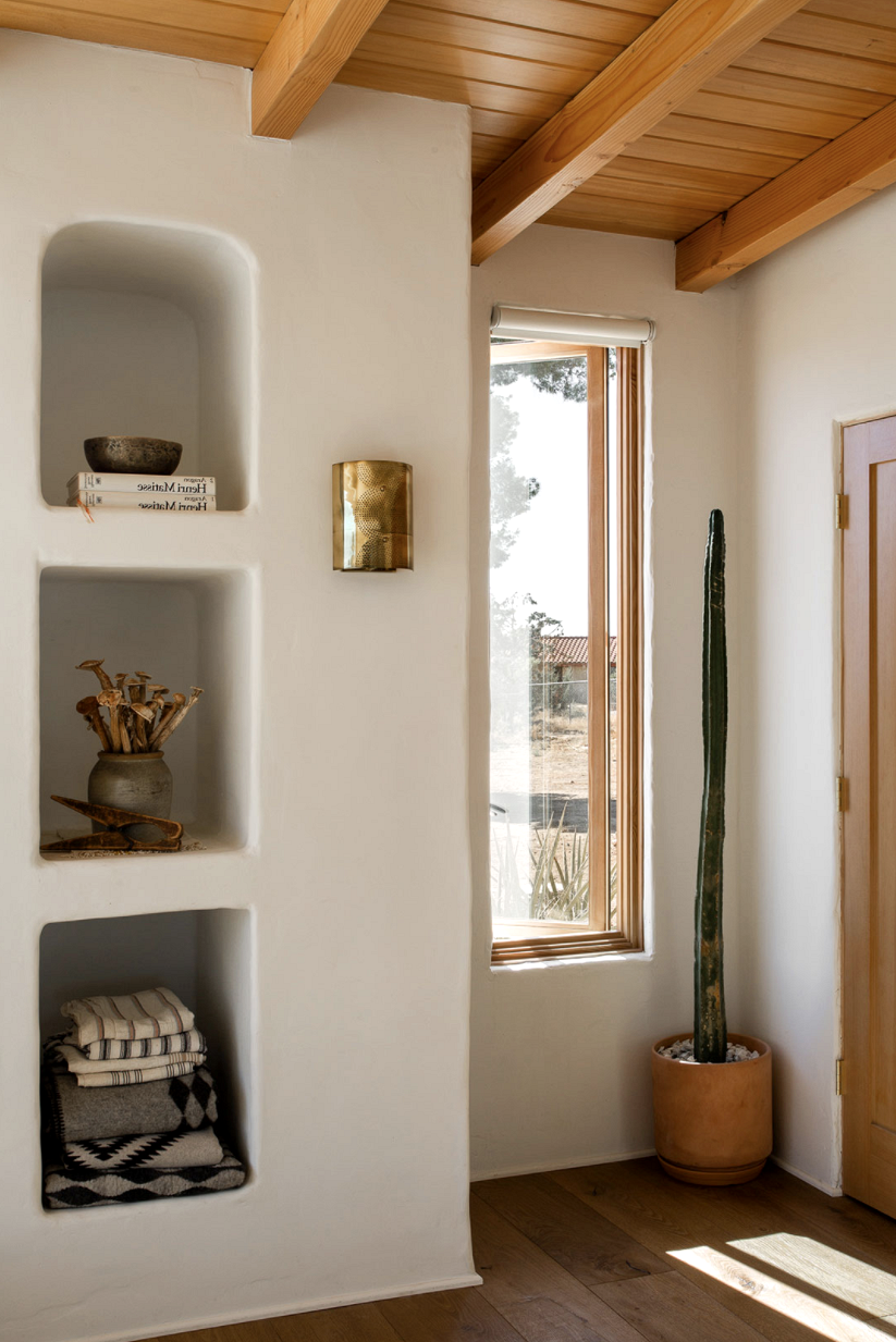modern desert adobe house tour built in shelves